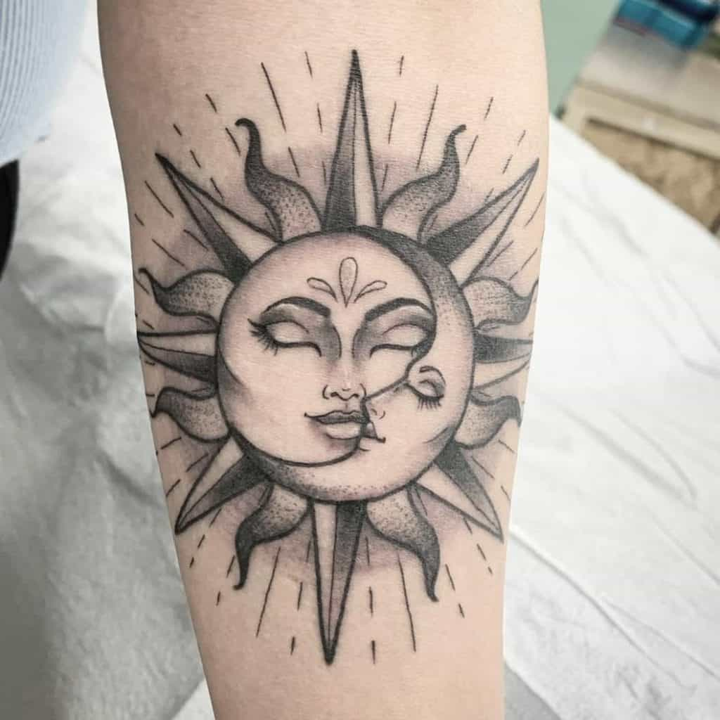 The Kissing Sun and Moon Tattoo Design (The Lovers) 4