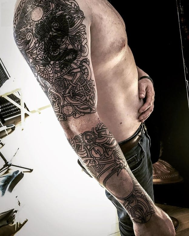 geometry Black Ink Sleeve