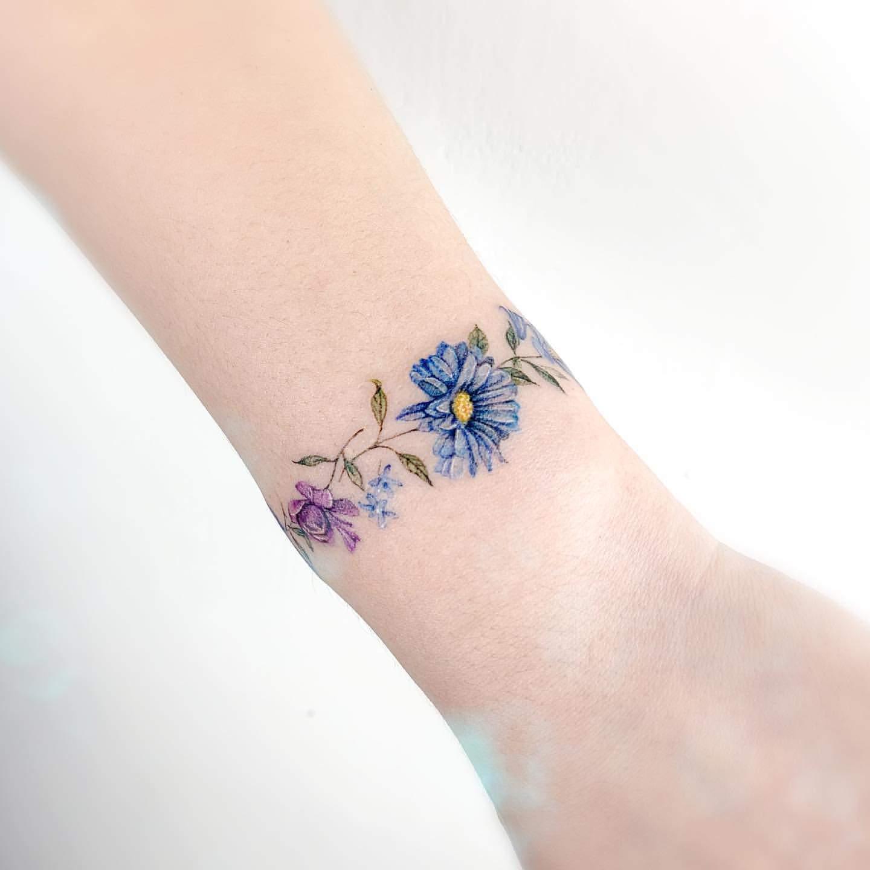 Ladies arm tattoos 101 Feminine